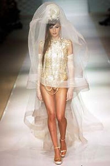 Экстремальные короткие свадебные платья