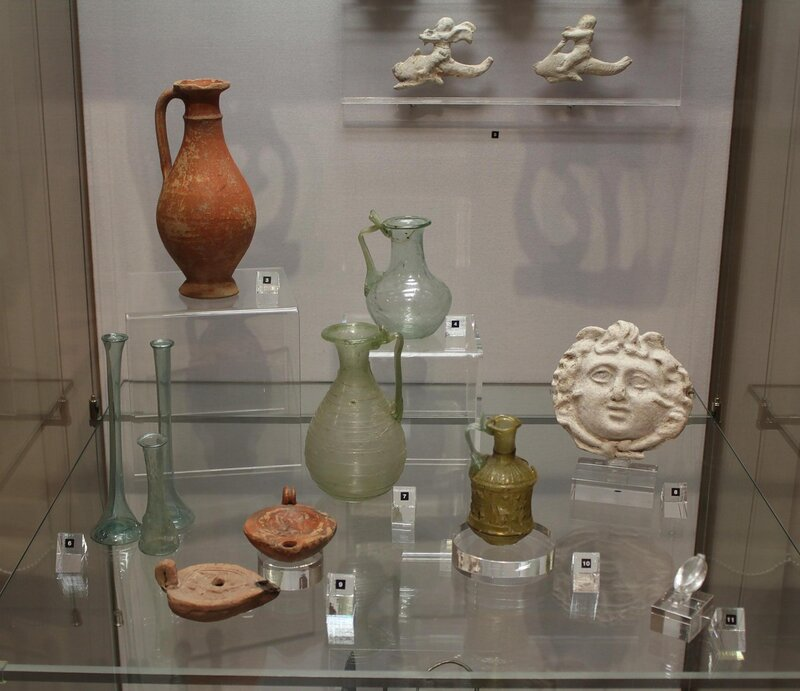Находки из раскопок Тиритаки и Харакса