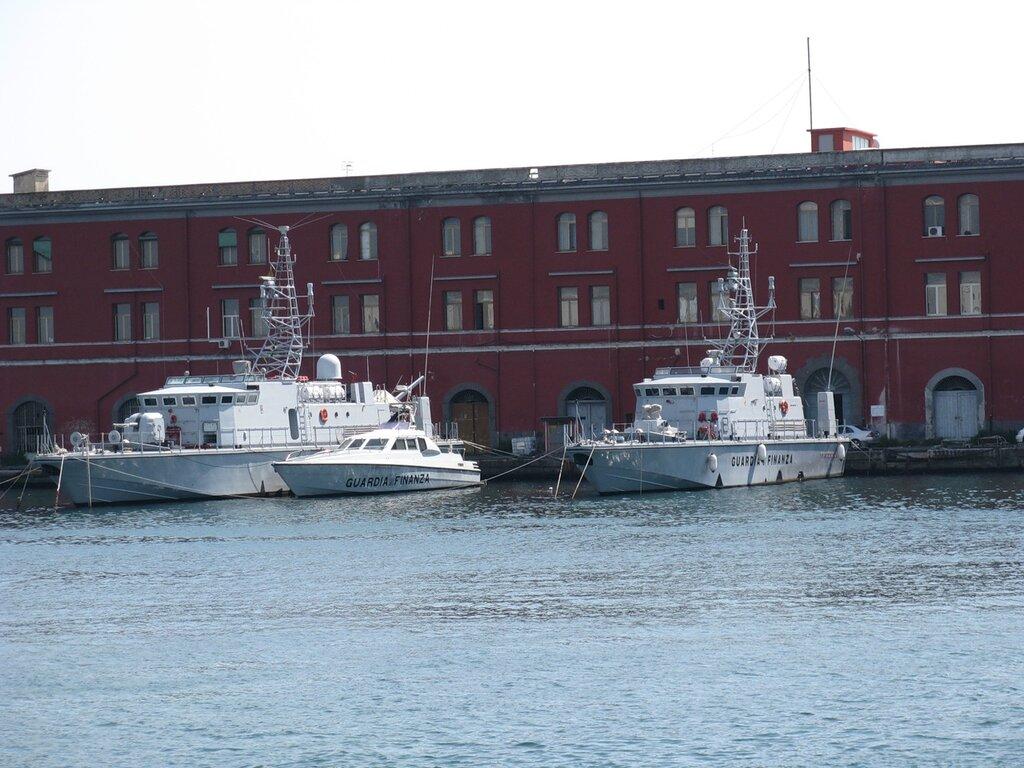 Неаполь, военно-морская база итальянского флота