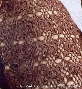 vestito composto da mattonelle all'uncinetto