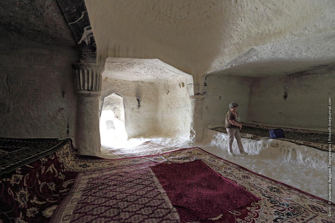 Подземная мечеть Шакпак-Ата