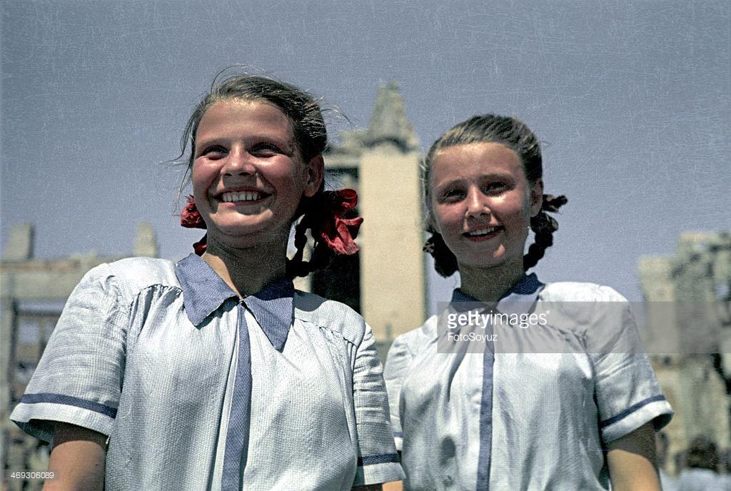 1945 Физкультпарад в Сталинграде Марк Редькин16.jpg