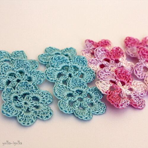 6 голубых и 6 пурпурно-меланжевых цветка