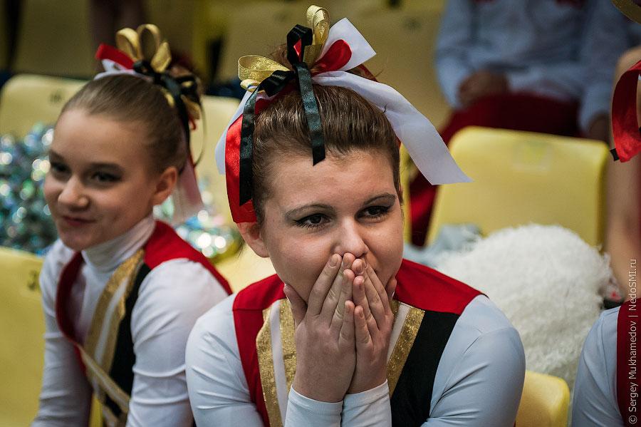 Несовершеннолетний черлидинг: http://yablor.ru/blogs/nesovershennoletniy-cherliding/2373197