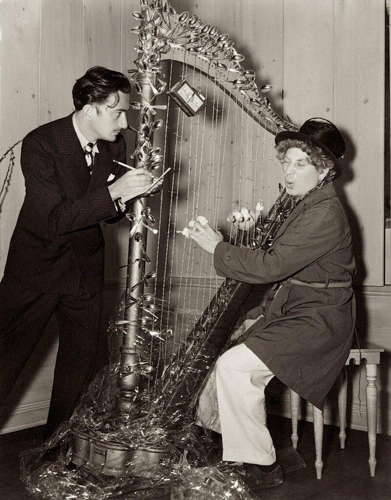 Salvador Dalí & Harpo Marx1937