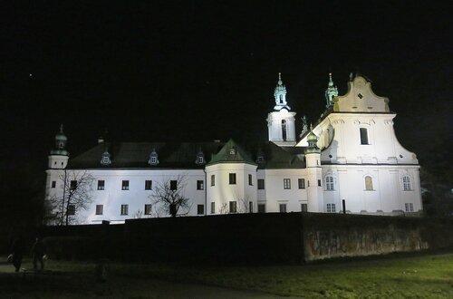 Собор Святого Михаила в тиши рождественской ночи, Краков