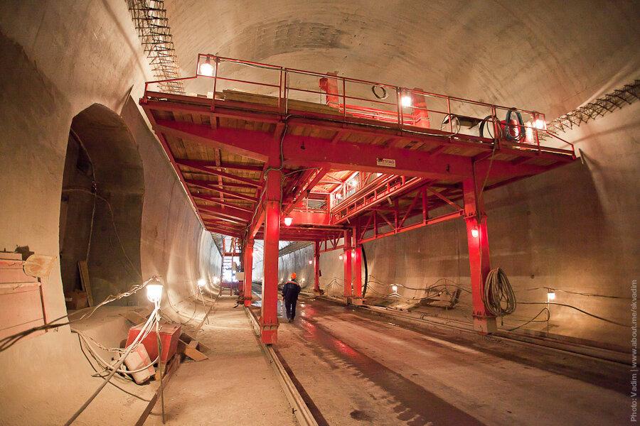 Обустройство тоннеля / Construction of the tunnel