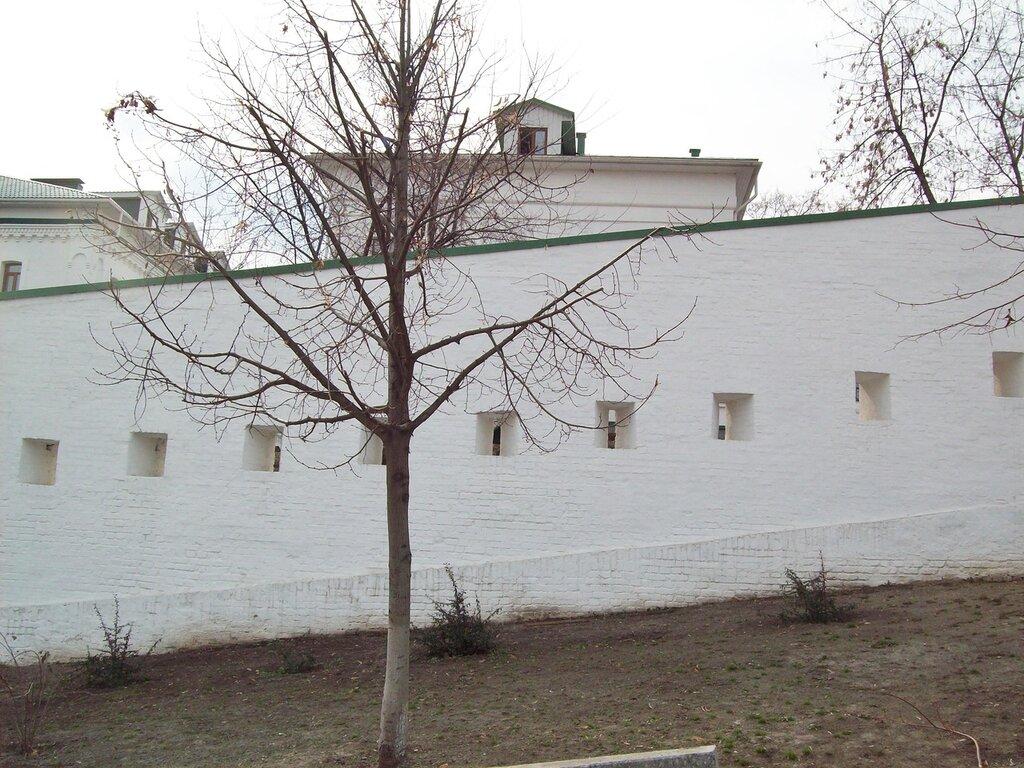 Крепостная стена Печерской лавры