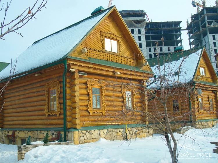 Татарская деревня на фоне современного недостроя