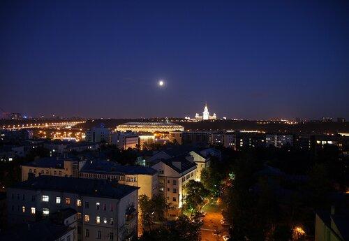 Москва подлунная
