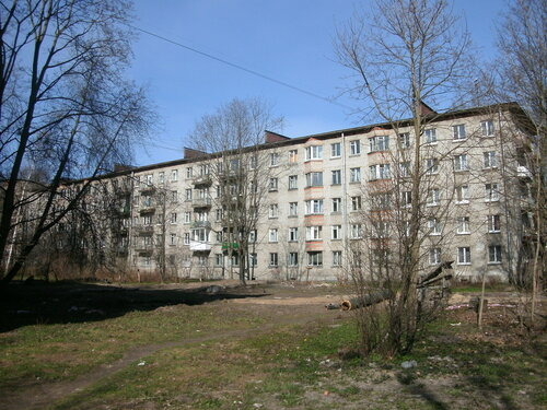 Гданьская ул. 8