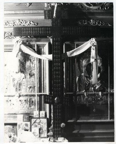 <a href='http://img-fotki.yandex.ru/get/5908/kostroma-archive.8/0_59416_5f99fb9_orig.jpg'>Восьмиконечный крест мощевик (размер 178х110). [середина XVIII в.] Фото 1989 г. Автор В. Савельев.</a>