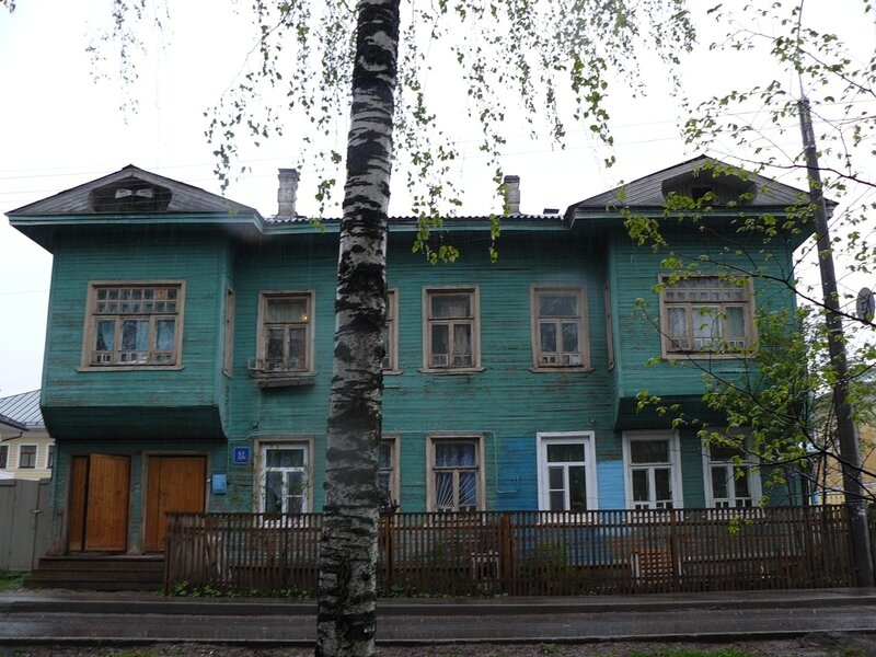 Ленинградская, 2а