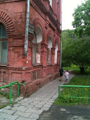 Бывший особняк Вильегльма Иокиша - основателя суконной фабрики (ныне им.Петра Алексеева)