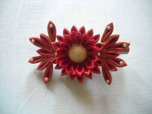 Розово-кремовые розы из атласных лент / оформление подарков.