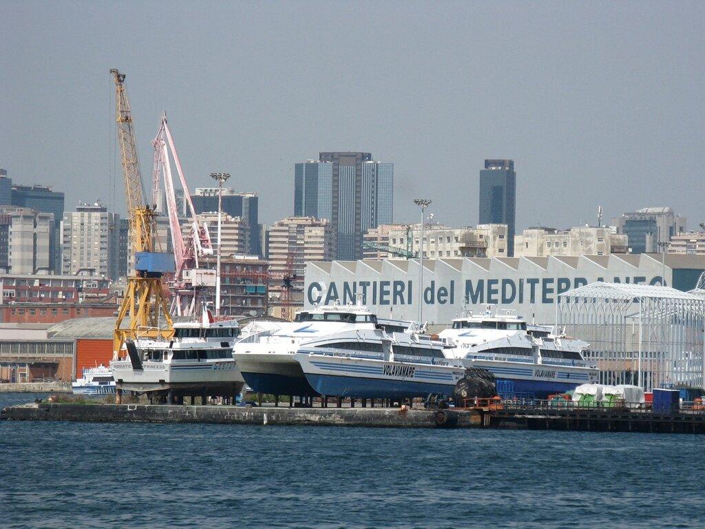 Неаполь. Морской порт