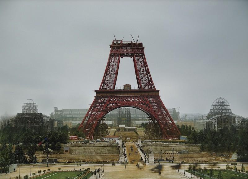 Июль 1888 года, строительство Эйфелевой башни.