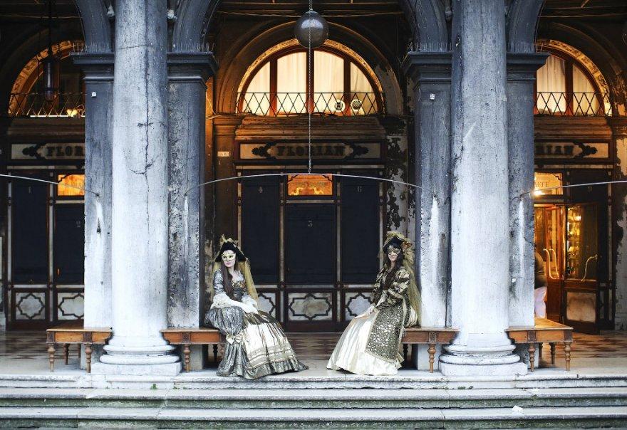 11. В 1996 году Венецианский карнавал получил собственный гимн, который написал знаменитый кутюрье П