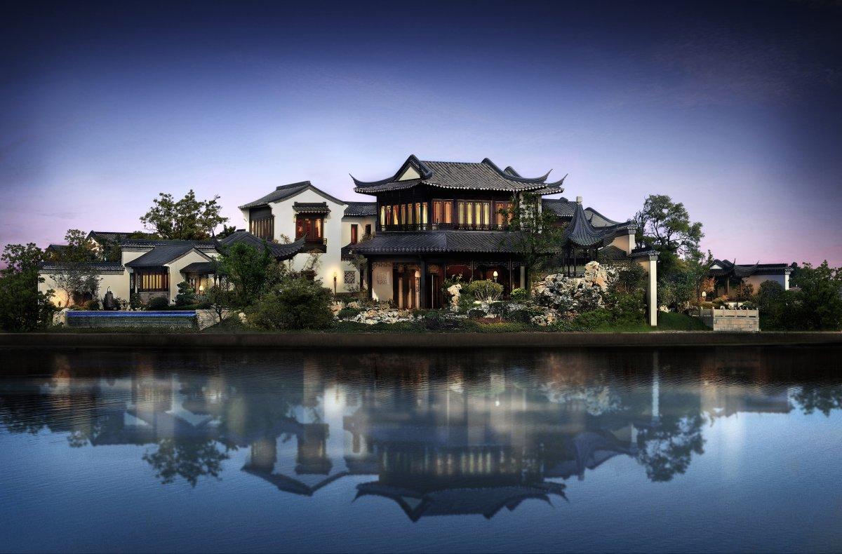 Особняк Taohuayuan. Дом-рекордсмен окружен озером и занимает площадь 673 гектара.