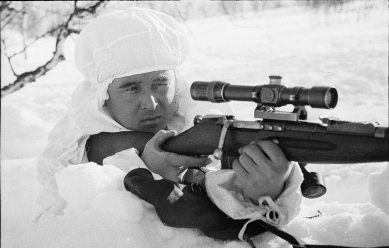 Советский снайпер Назир Катуевич Мидов. Уничтожил не менее 104 врагов.jpg