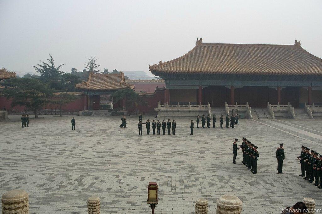 Тренировка солдат НОАК, Храм Императорских Предков, Пекин
