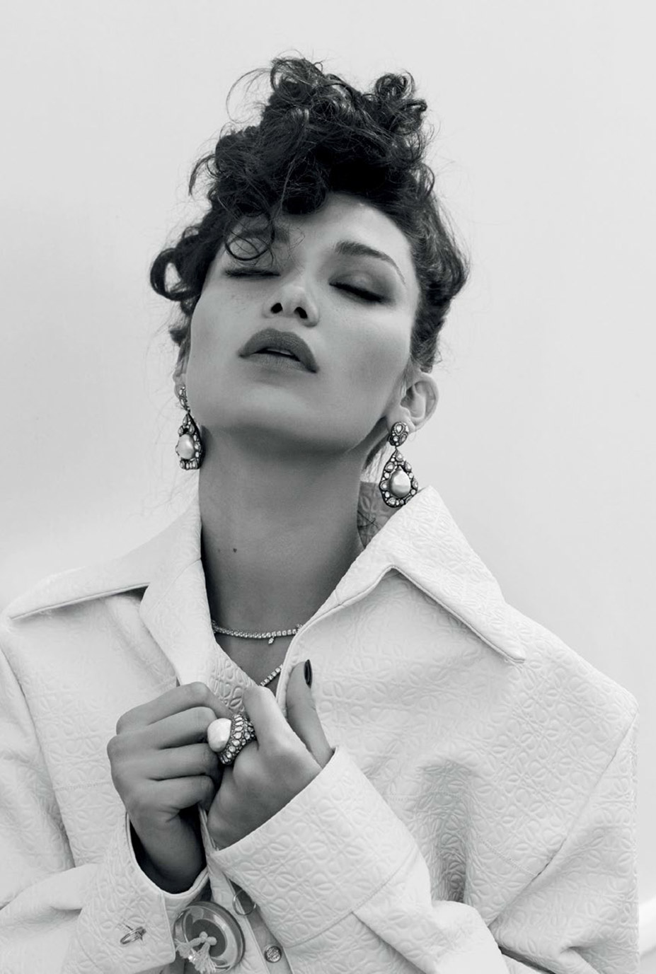 Bella Hadid / Белла Хадид в журнале Vogue Turkey, май 2016 / фотограф Sebastian Faena
