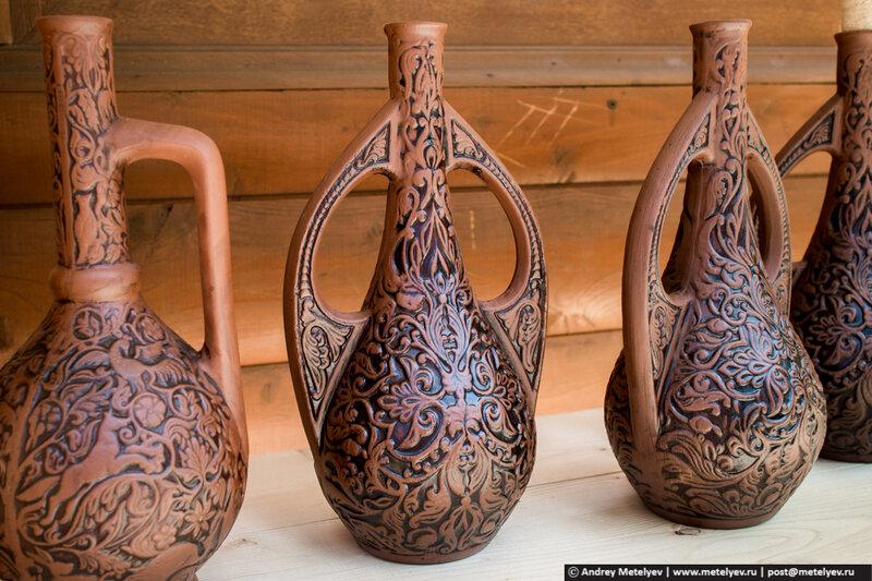 глиняные кувшины в Пицунде