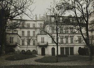 1919. Рю де ла Тур де Дам, 9.Вид со стороны сада