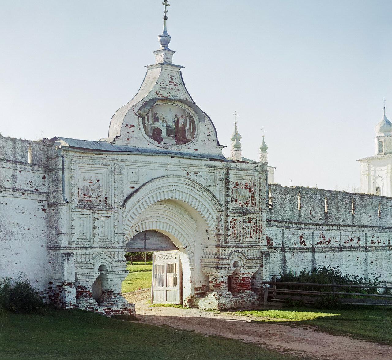 Окрестности Переславля. Вход в упраздненный Горицкий монастырь у города