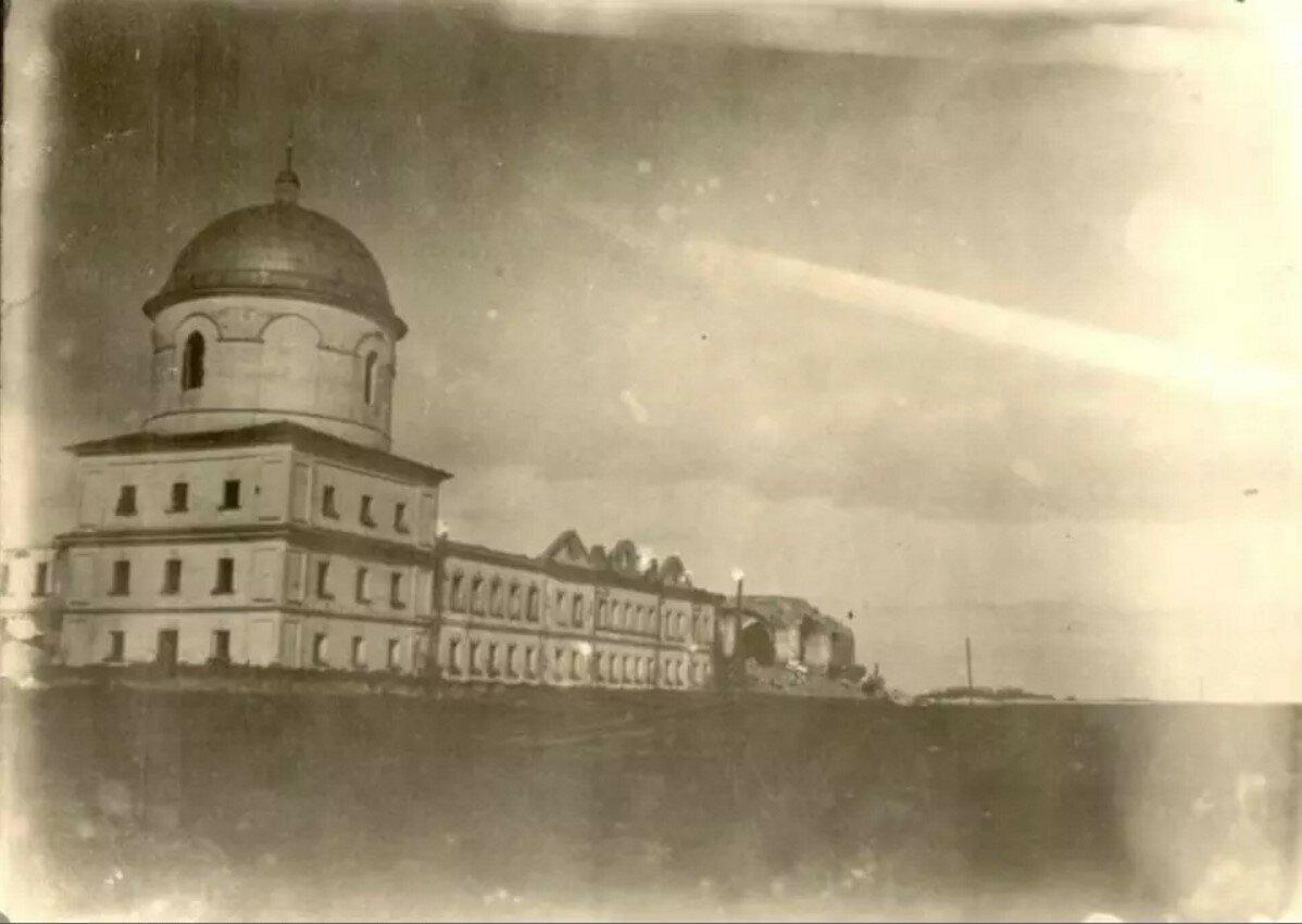 Здание Югского монастыря перед затоплением