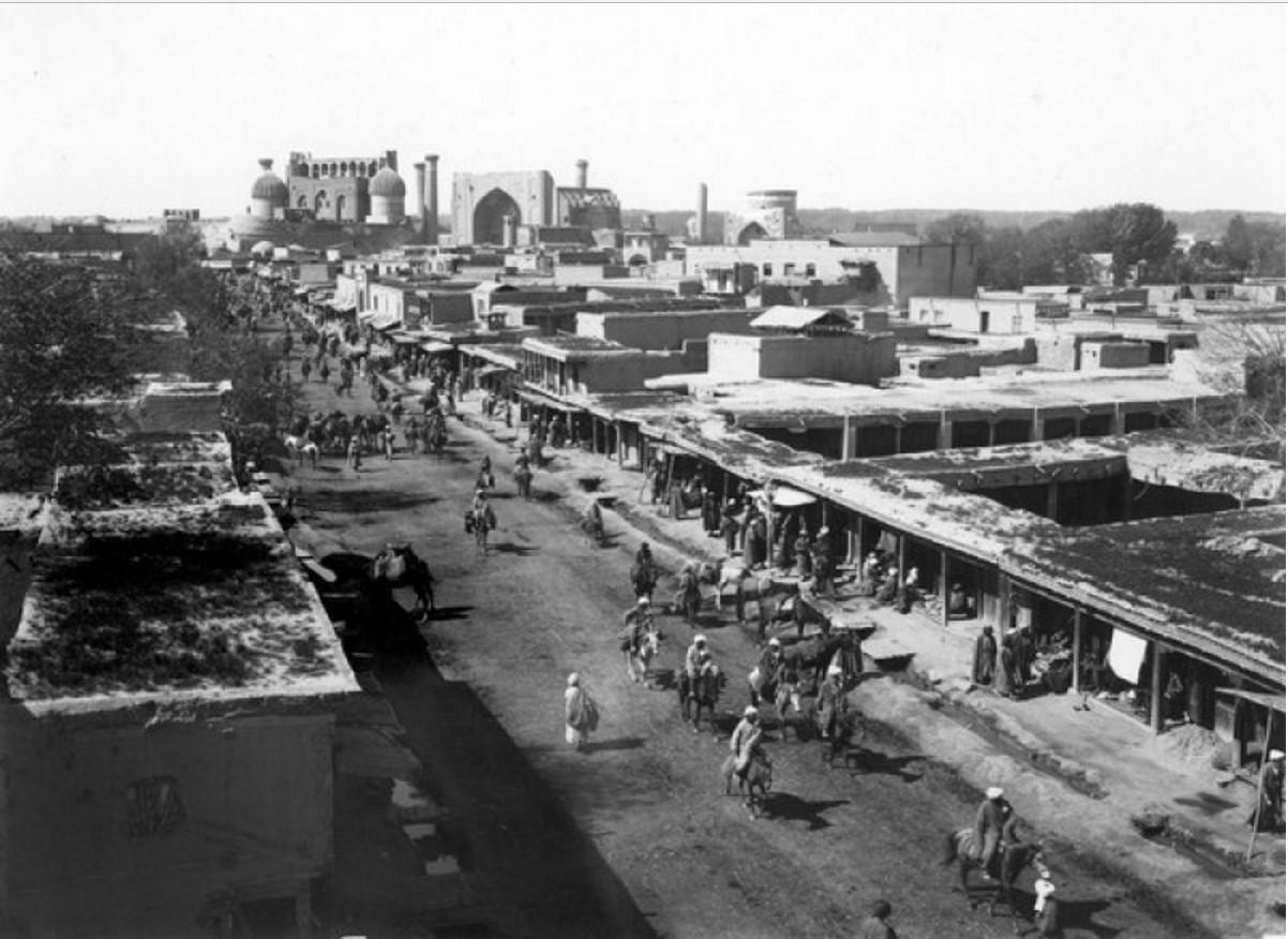 Улица Ташкентская от медресе Биби-Ханым до площади Регистан