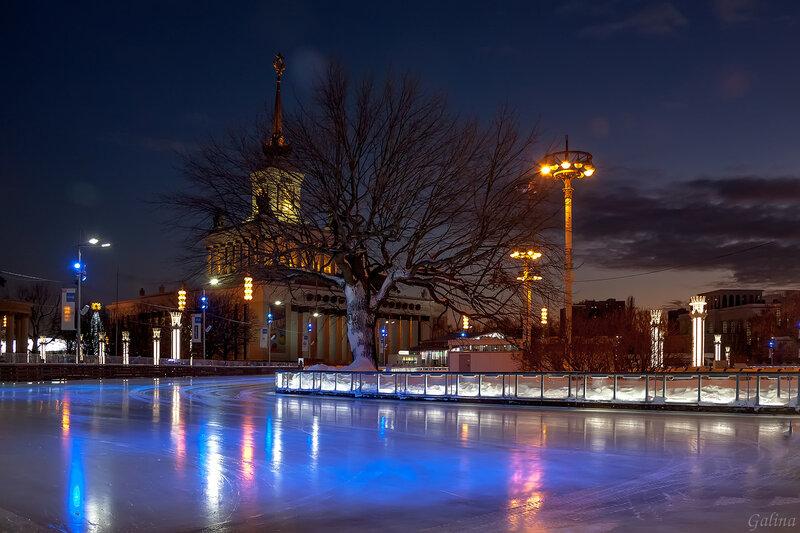 Ночь,зима,каток