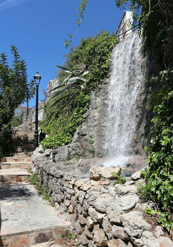 Ринкон-де-ла-Виктория. Водопад Ла-Кала-дель-Мораль (La Cala del Moral)