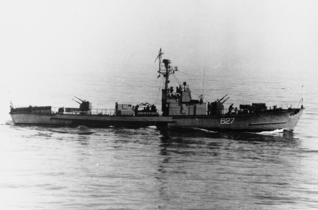Soviet SO1 Class Submarine Chaser. Pennant #627 in 1968.