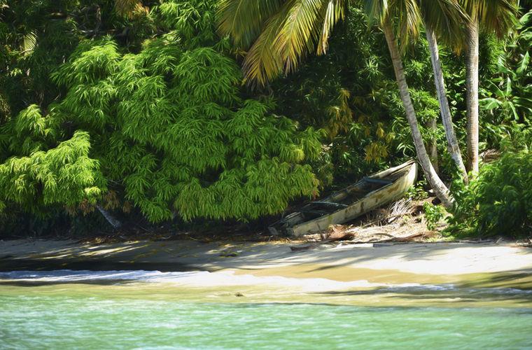 Кайо-Романо — остров площадью 777 км2 — входит в состав архипелага Сабана-Камагуэй. Расположен в