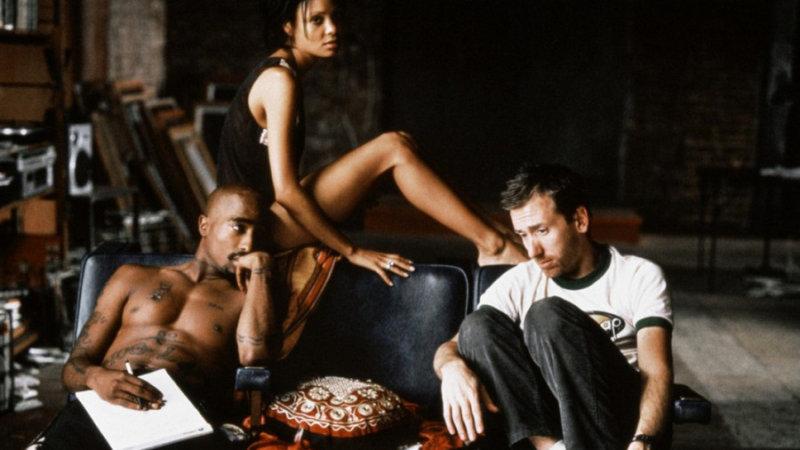 В центре этой культовой комедийной драмы – джазовое трио, в составе которого два героиновых нарк