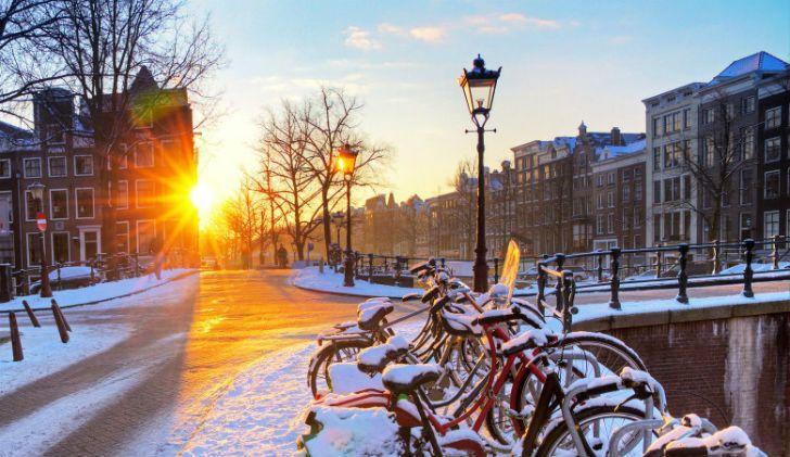 Потому что эта страна потрясающе выглядит зимой…