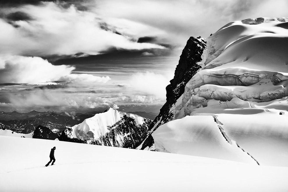33. Цветущие поля в национальном парке Монти-Сибиллини, Италия. (Фото Francesco Russo   Sony Wo