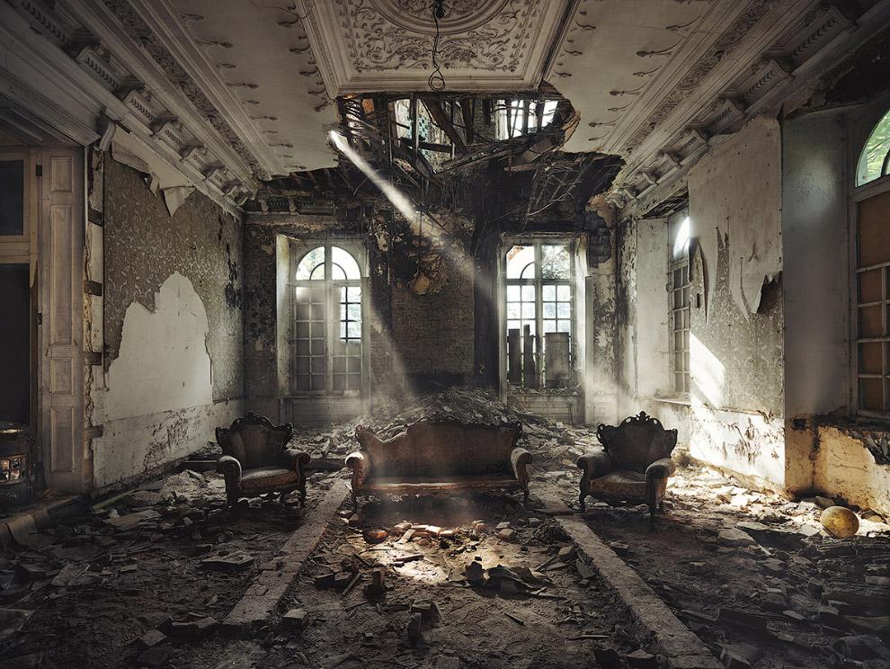 4. Нас же интересует красота заброшенных зданий, есть в них что-то таинственное и притягательно