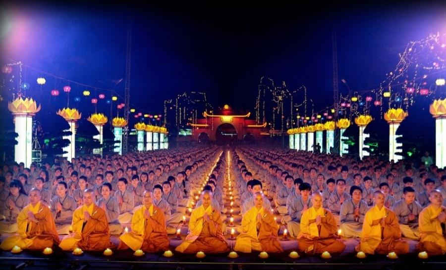 9. День Будды Амитабхи, Вьетнам