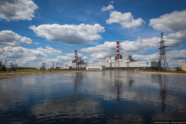2. Начало строительства АЭС было объявлено в 1973 году. А уже в конце 1982 был сдан энергоблок №1. О