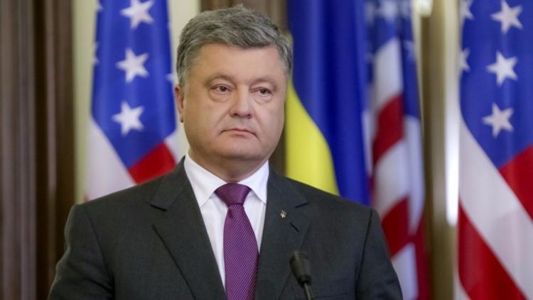 Порошенко: Украинцы осенью будут путешествовать без виз