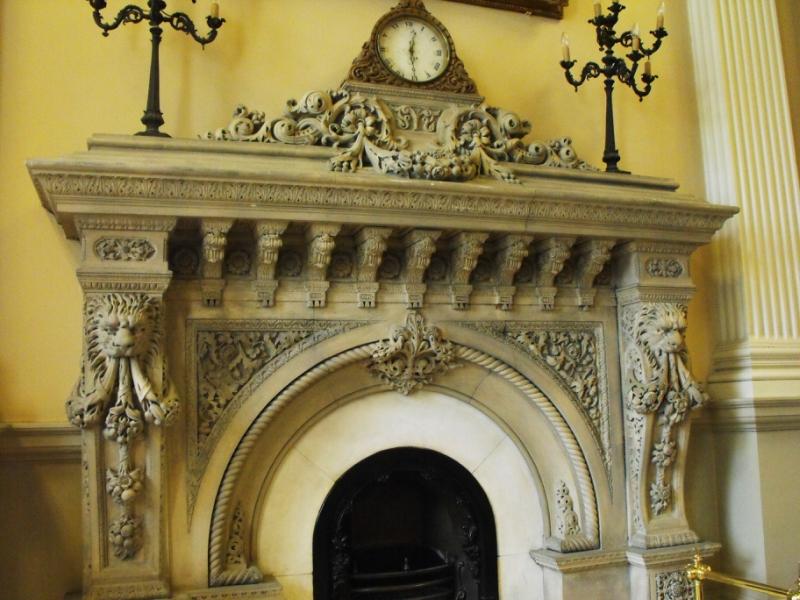 Osgoode Hall,  Камин  в  малой  библиотеке.