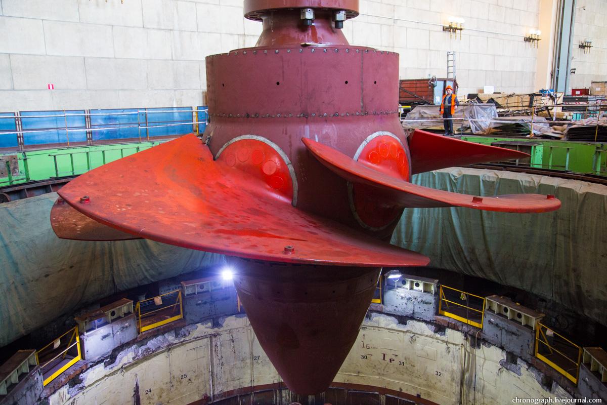 Монтаж рабочего колеса гидроагрегата №7 на Жигулёвской ГЭС 0_112355_e747dae9_orig