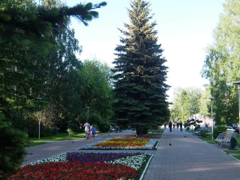 Новокузнецк - Бульвар Героев - Аллея
