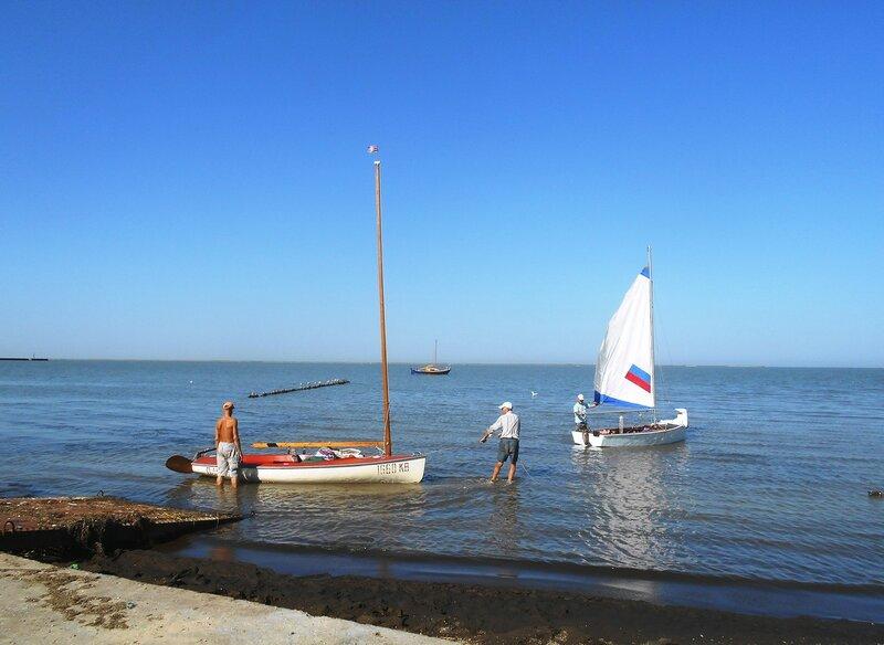 Утро, яхты - на воду ... DSCN9083.JPG