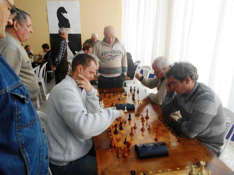 Игроки и зрители ... Шахматный турнир. Выселки. Декабрь 2016