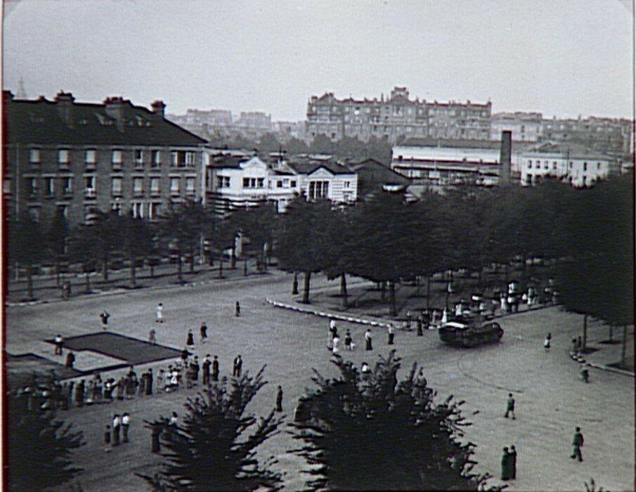 1944. 2-я бронетанковая дивизия под началом Пьера Бийота  входит в Париж