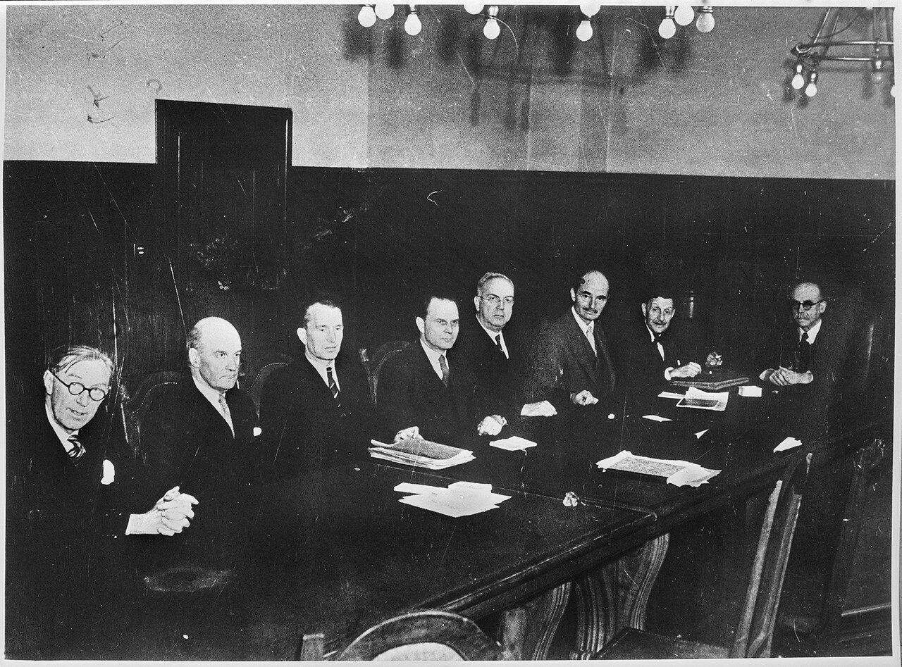 Члены Международного военного трибунала во время вынесения приговора