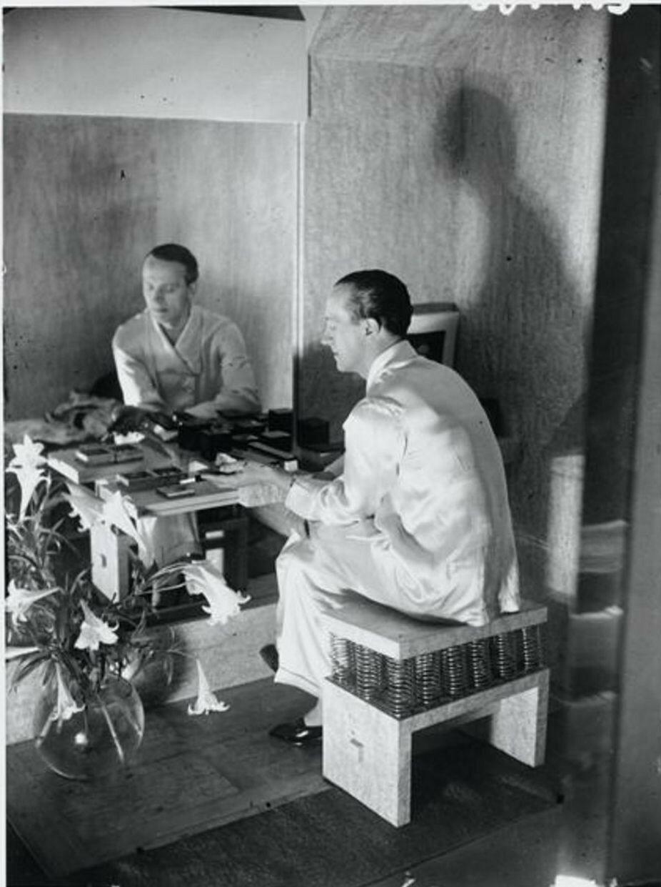 1930. Парикмахер Антуан